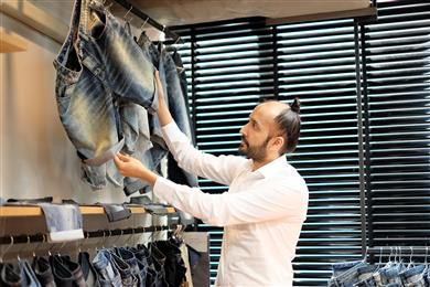 Absolute Denim to become first denim manufacturer to convert 100% of its production to ground-breaking aniline-free* indigo solution by Archroma. 