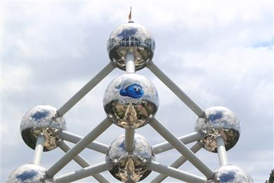 Mactac Europe helps Belgium's landmark Atomium and their beloved Smurfs celebrate their 60th birthday in style