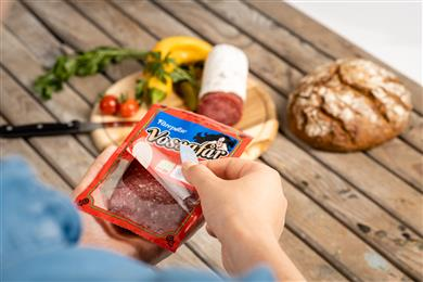 Mondi (re)seals the deal with innovative meat package for Orkla. 