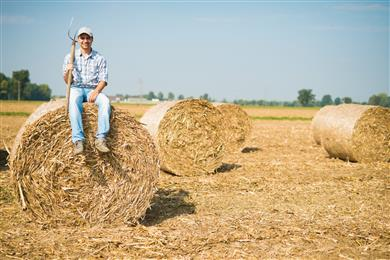 Farmers from Oltenia and Clariant to partner for a cleaner environment. 