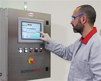 The Bonderite E-CO DMC controller has an intuitive touchscreen and an internal memory for storing a virtually unlimited number of process parameters in metal treatment lines of up to 15 or more stages. 