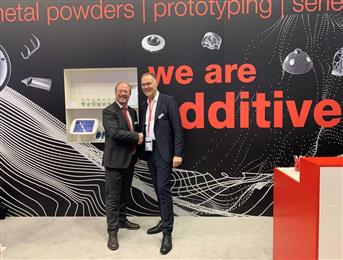 From left to right: Dr. Wolfgang Hansal, Managing Director, Hirtenberger Engineered Surfaces and Dr. Sven Hicken, Oerlikon, Head of Additive Manufacturing Business Unit.